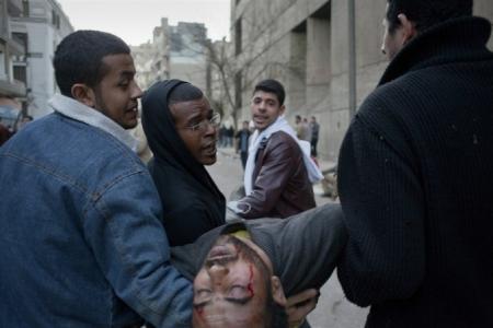 Government forces start violence