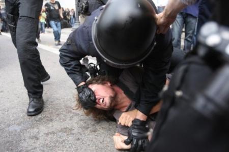 Barcelona-Police-brutality