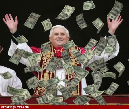Money-Falling-from-Sky-on-Pope--60682